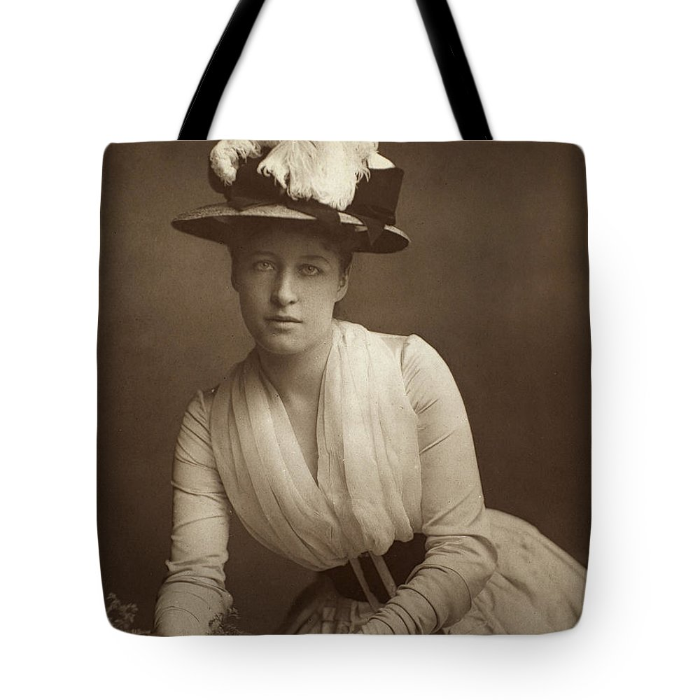 19th Century Tote Bag featuring the photograph Lillie Langtry (1852-1929) by Granger