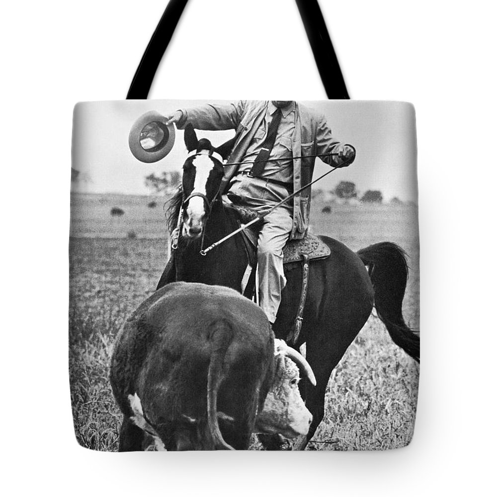 1964 Tote Bag featuring the photograph Lyndon Baines Johnson by Granger
