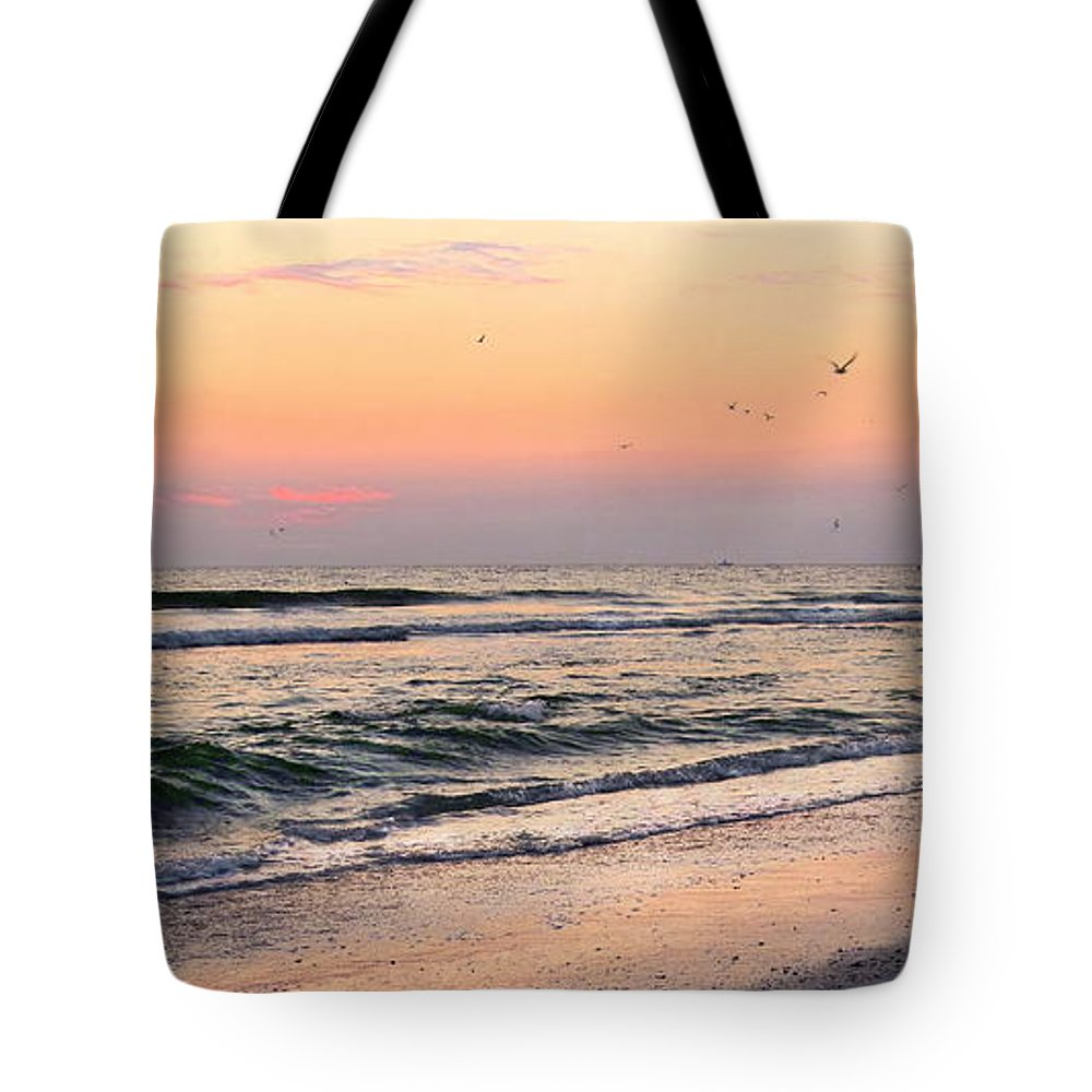 St. Pete Beach Tote Bag featuring the photograph Postcard by Angela Rath