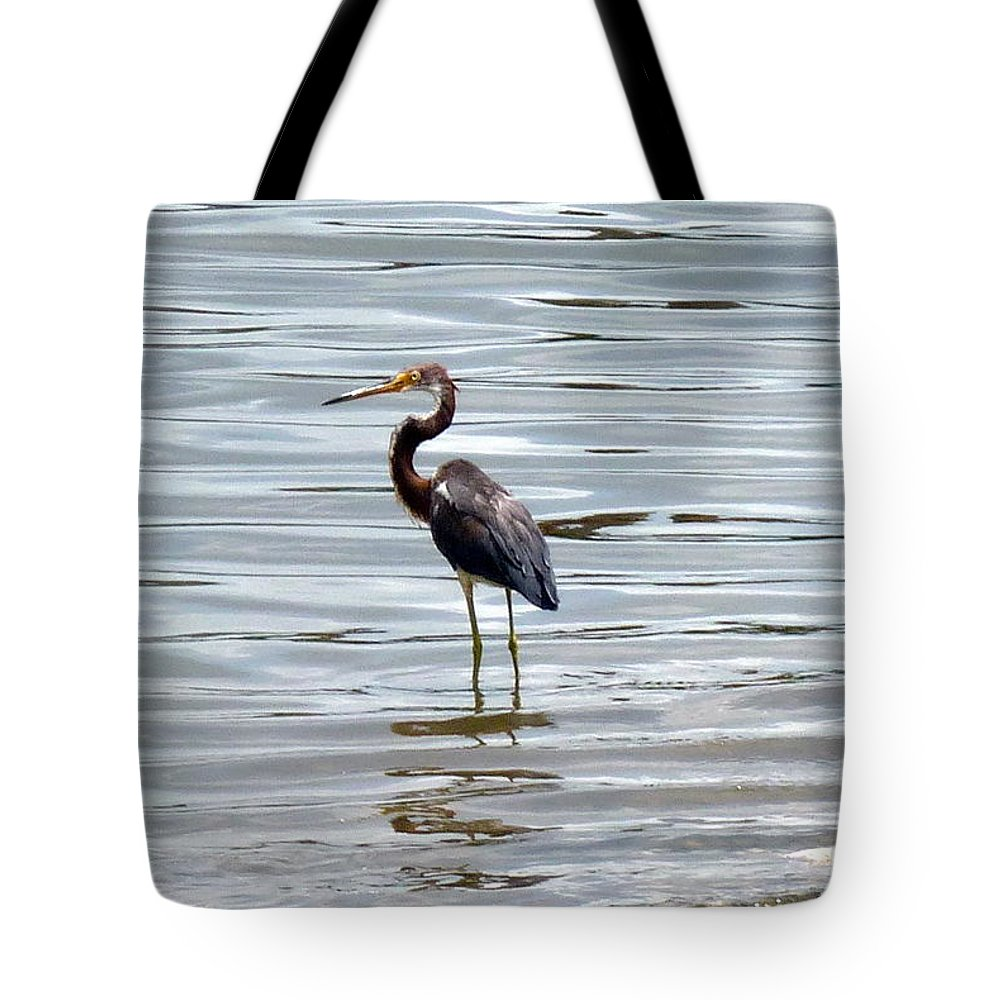 Heron Tote Bag featuring the photograph Wading Heron by Carla Parris