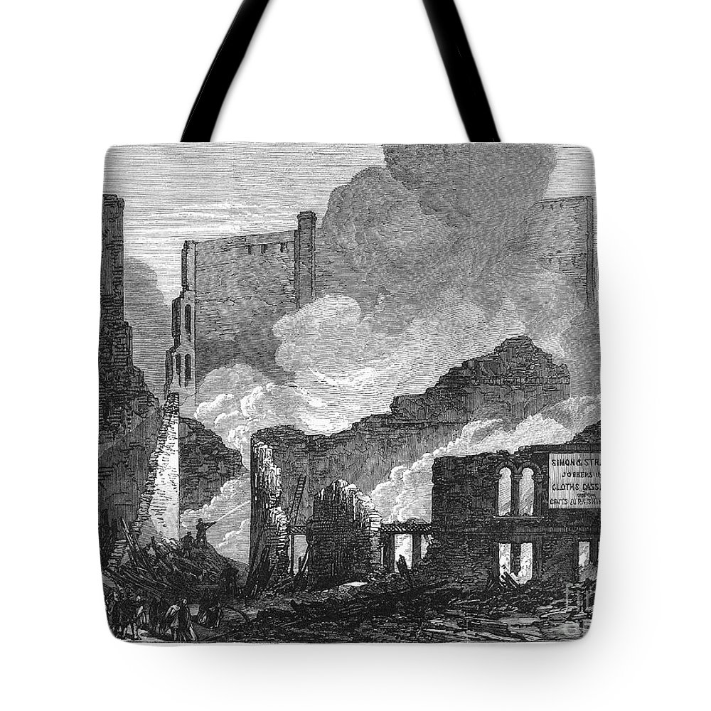 1871 Tote Bag featuring the photograph Chicago: Fire, 1871 by Granger