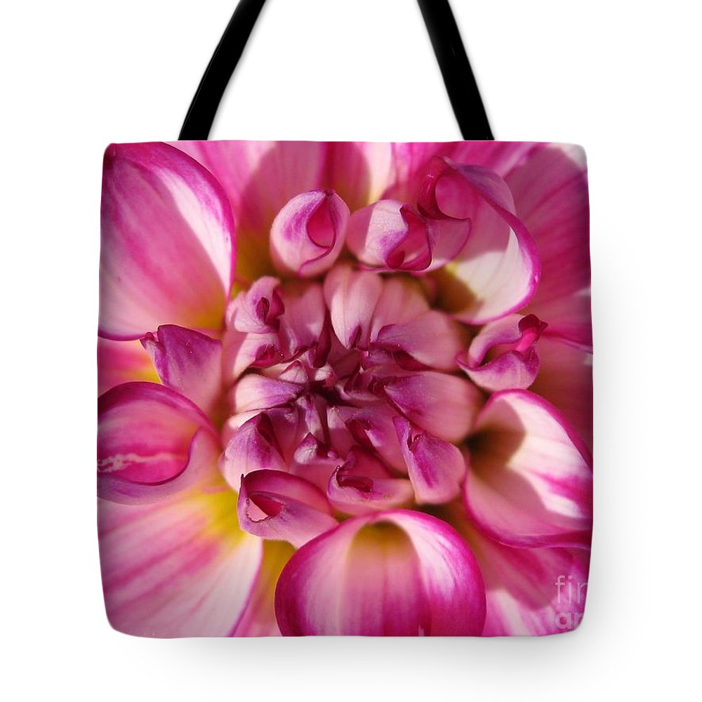 Dahlia Tote Bag featuring the photograph Dahlia Named Who Dun It by J McCombie