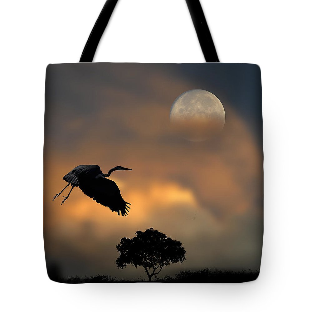 Bird Tote Bag featuring the photograph 2412 by Peter Holme III