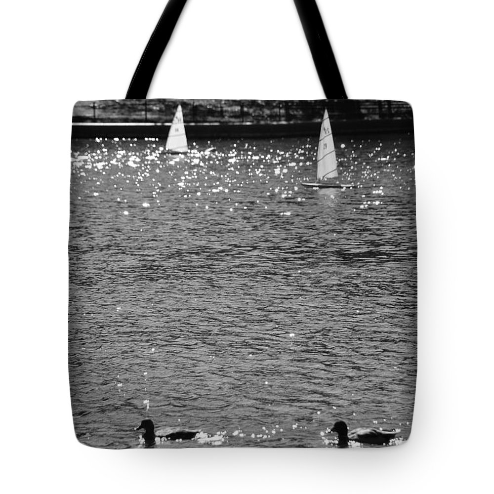 Central Park Tote Bag featuring the photograph 2boats2ducks In Black And White by Rob Hans