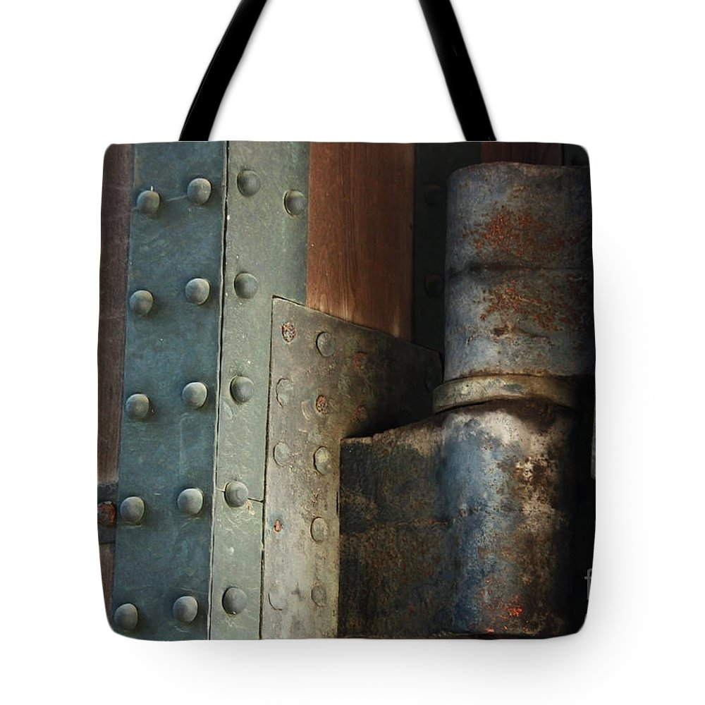 Tote Bag featuring the photograph Gates Of Tokyo Imperial Palace by Eena Bo