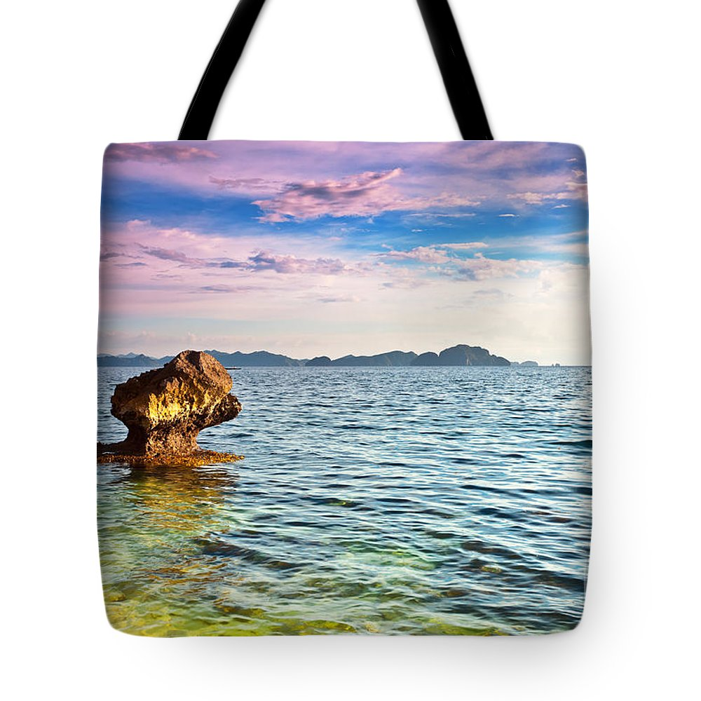Beach Tote Bag featuring the photograph Seascape by MotHaiBaPhoto Prints