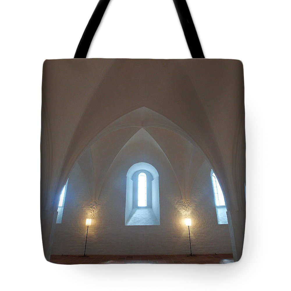 2012 Tote Bag featuring the photograph The Castle Of Tavastehus by Jouko Lehto