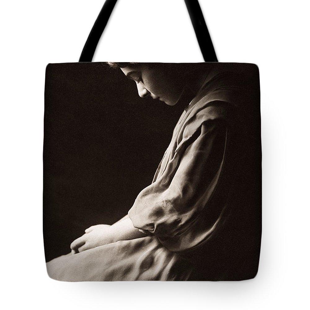1915 Tote Bag featuring the photograph Alla Nazimova (1879-1945) by Granger