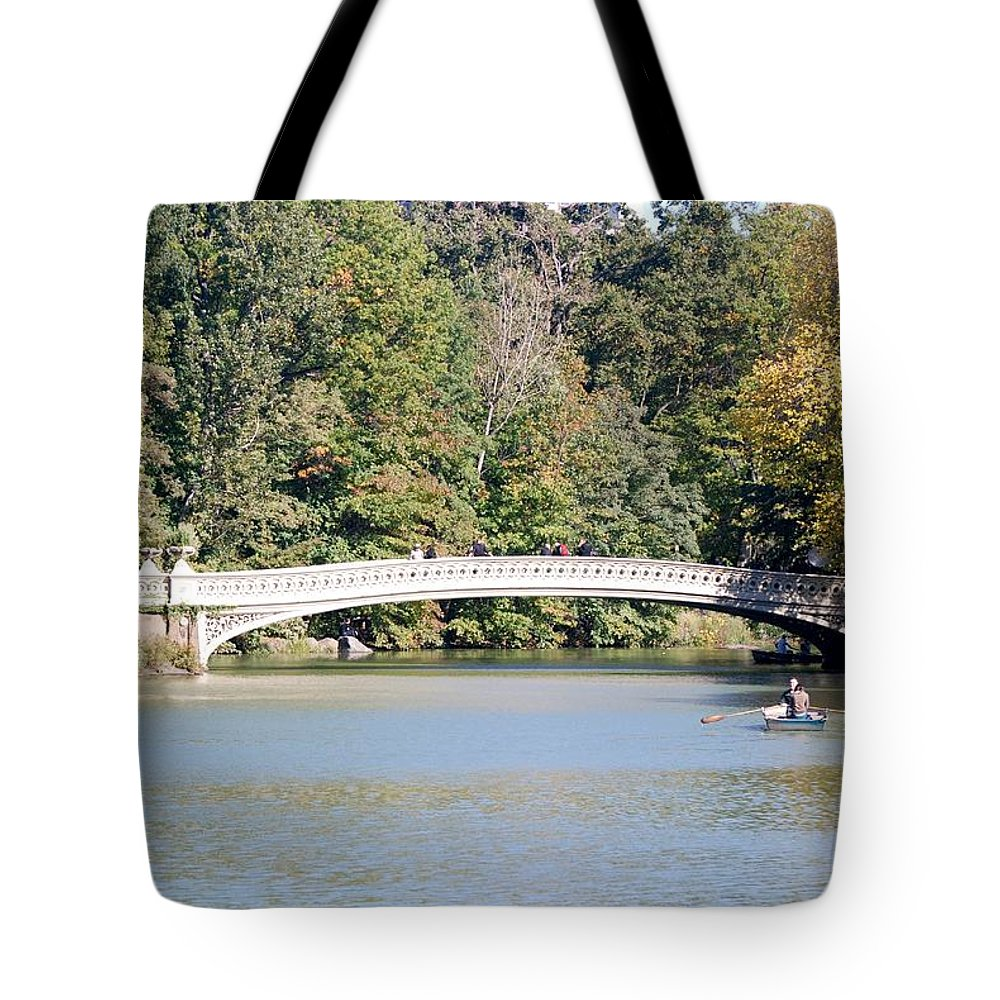 Central Park Tote Bag featuring the photograph Bow Bridge by Rob Hans