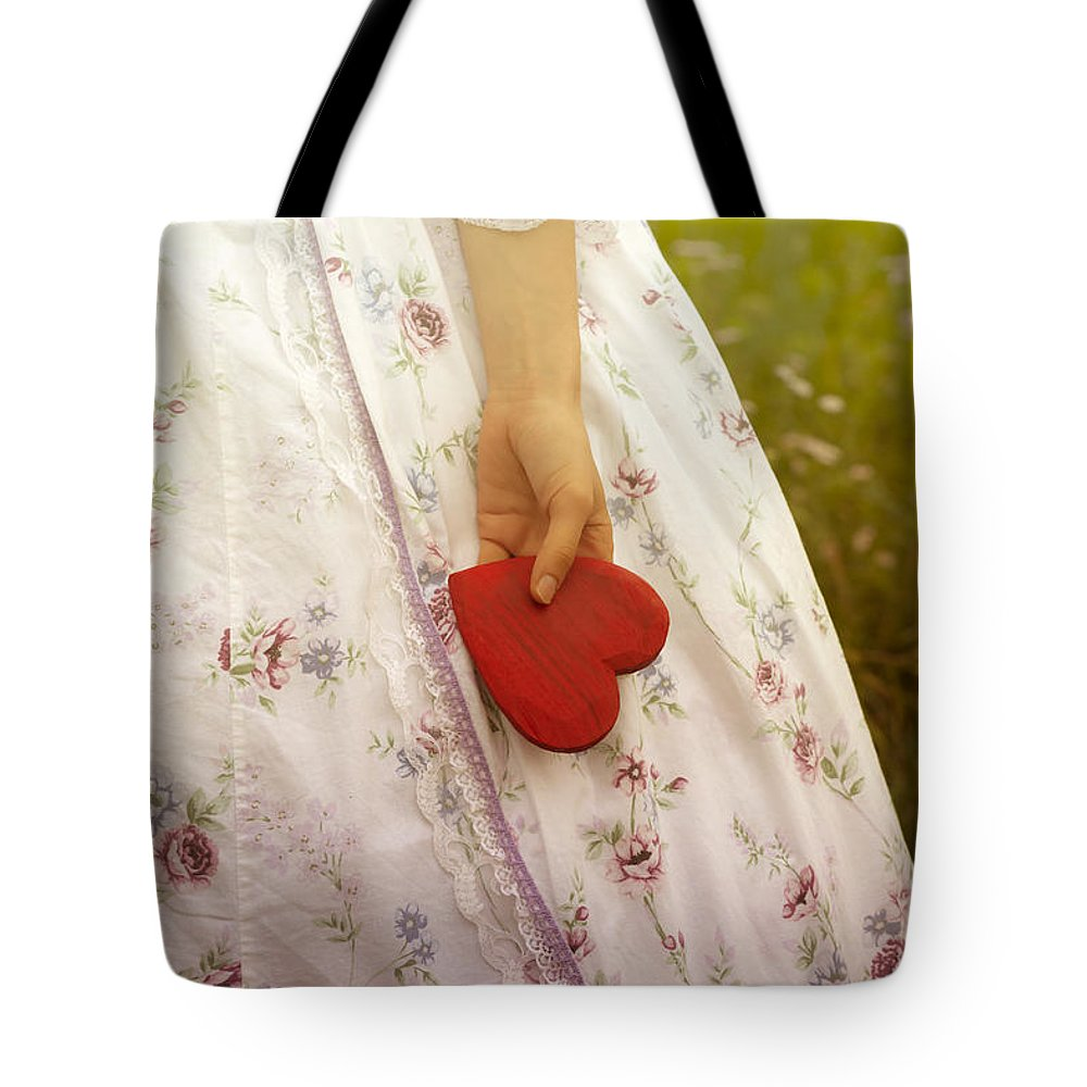 Female Tote Bag featuring the photograph Heart by Joana Kruse