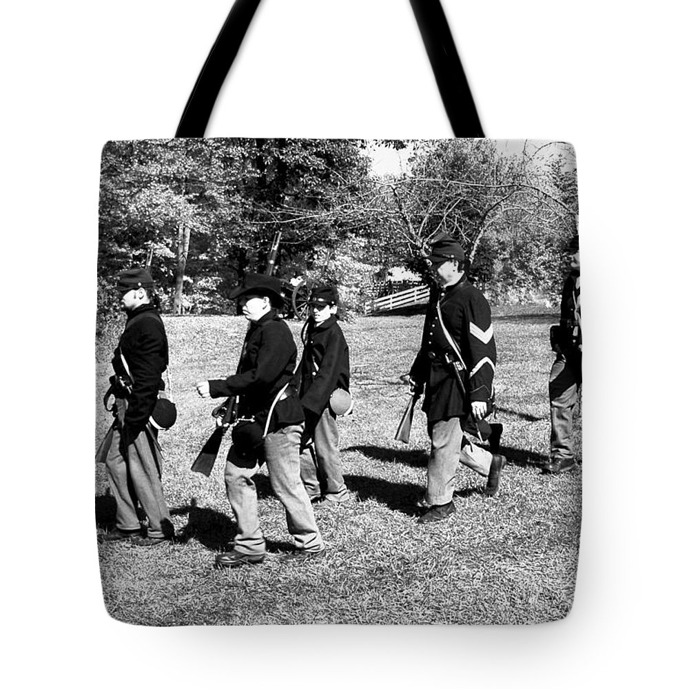 Usa Tote Bag featuring the photograph Soldiers March by LeeAnn McLaneGoetz McLaneGoetzStudioLLCcom