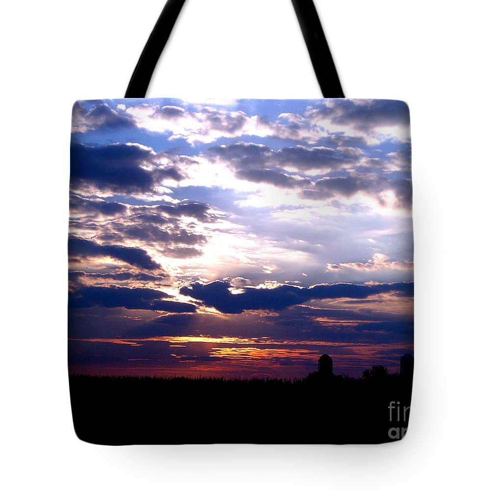 Clouds Sunset Cloudy Sun Sky Weather Evening Moody Light Tote Bag featuring the photograph A Day To Remember by Vilas Malankar