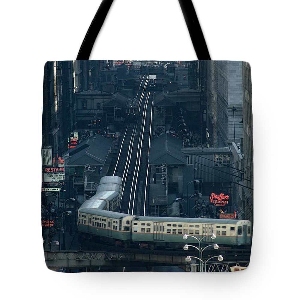 Chicago Tote Bag featuring the photograph A Railway Encircles Thirty-five Blocks by James L. Stanfield