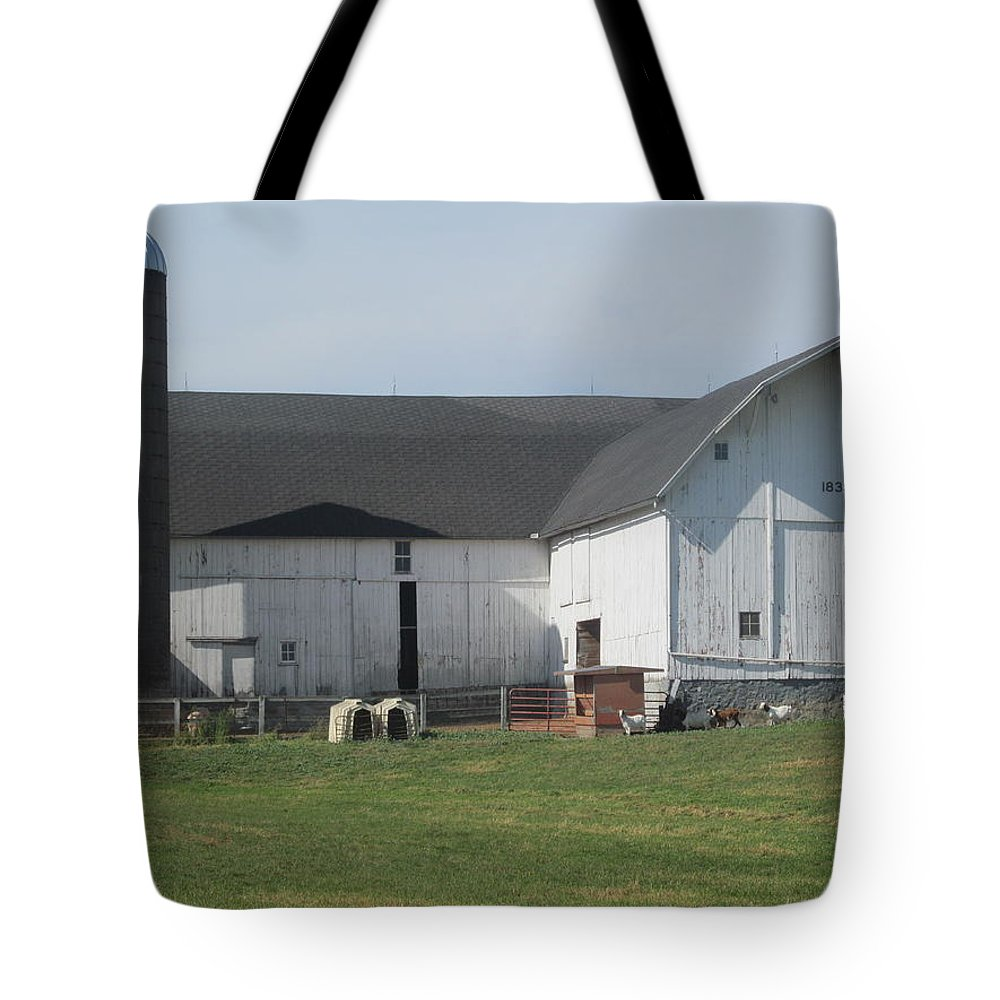 Barn Tote Bag featuring the photograph A Very Quiet Barn by Tina M Wenger