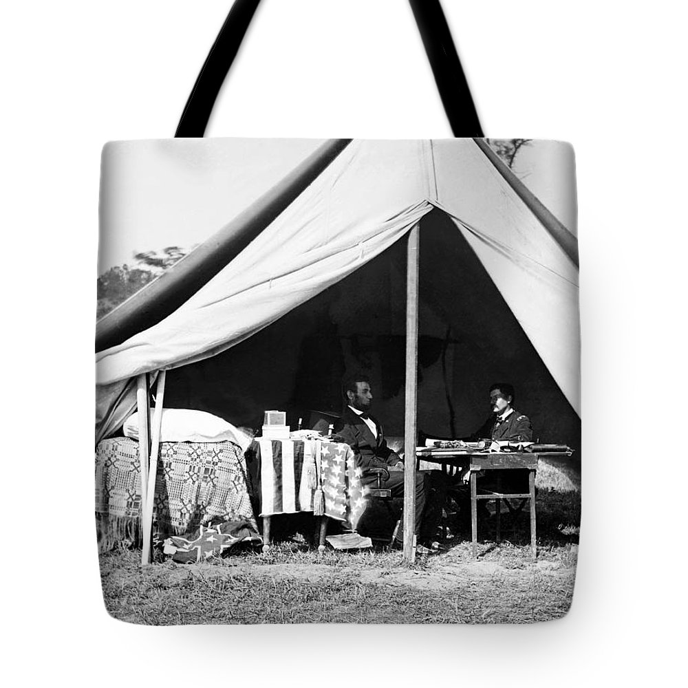 abraham Lincoln Tote Bag featuring the photograph Abraham Lincoln Meeting With General Mcclellan - Antietam - October 3 1862 by International Images