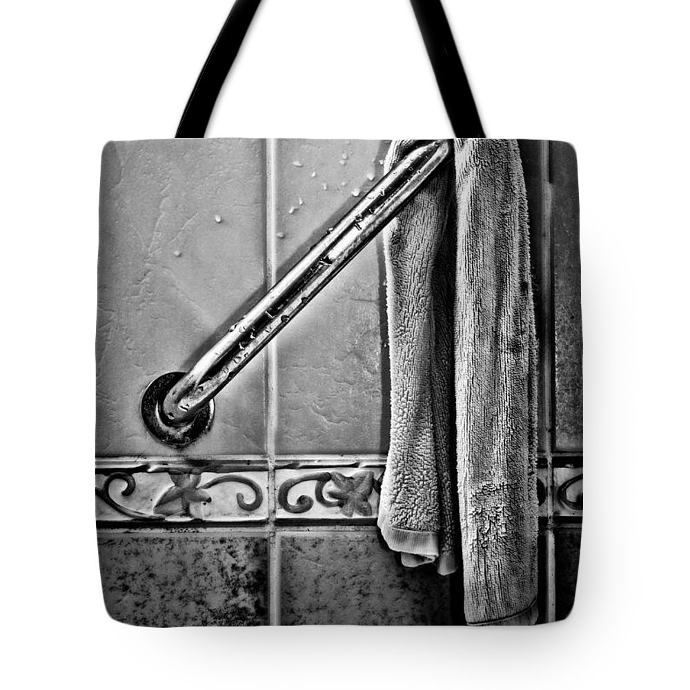 Monotone Tote Bag featuring the photograph After The Shower - Bw by Christopher Holmes