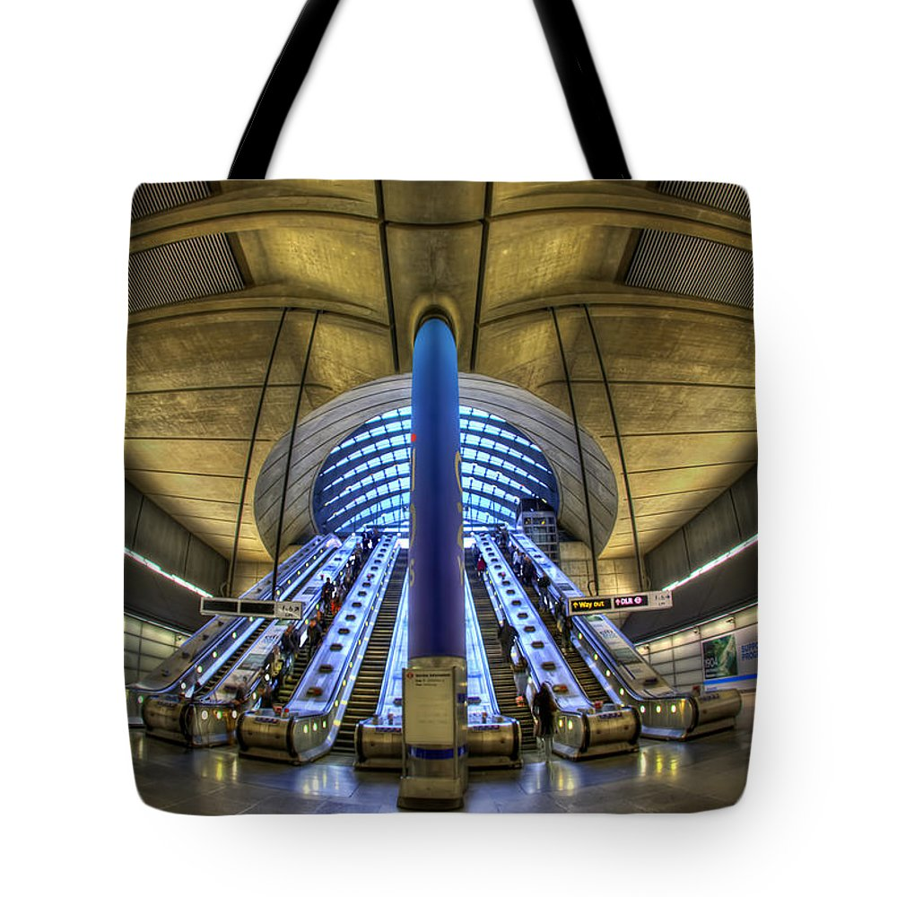 London Tote Bag featuring the photograph Alien Landing by Evelina Kremsdorf