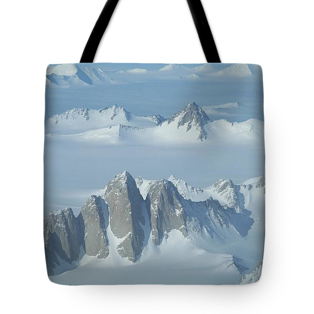 An Aerial View Of The Queen Maud Mountains Tote Bag featuring the photograph An Aerial View Of The Queen Maud by Gordon Wiltsie