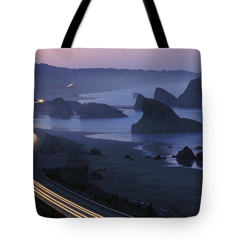 Highway 101 Tote Bag featuring the photograph An Evening View Of Highway 101 South by Phil Schermeister
