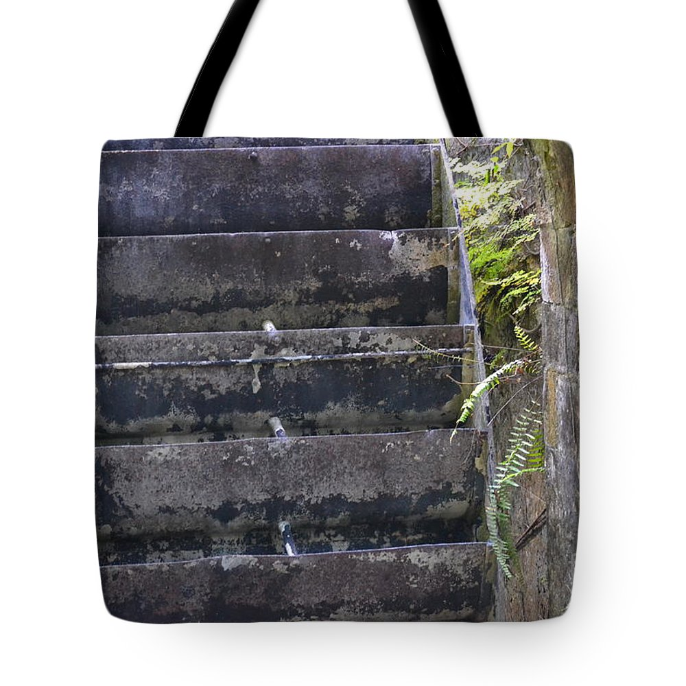 Mill Wheel Tote Bag featuring the photograph Ancient Water Wheel by Carol Bradley