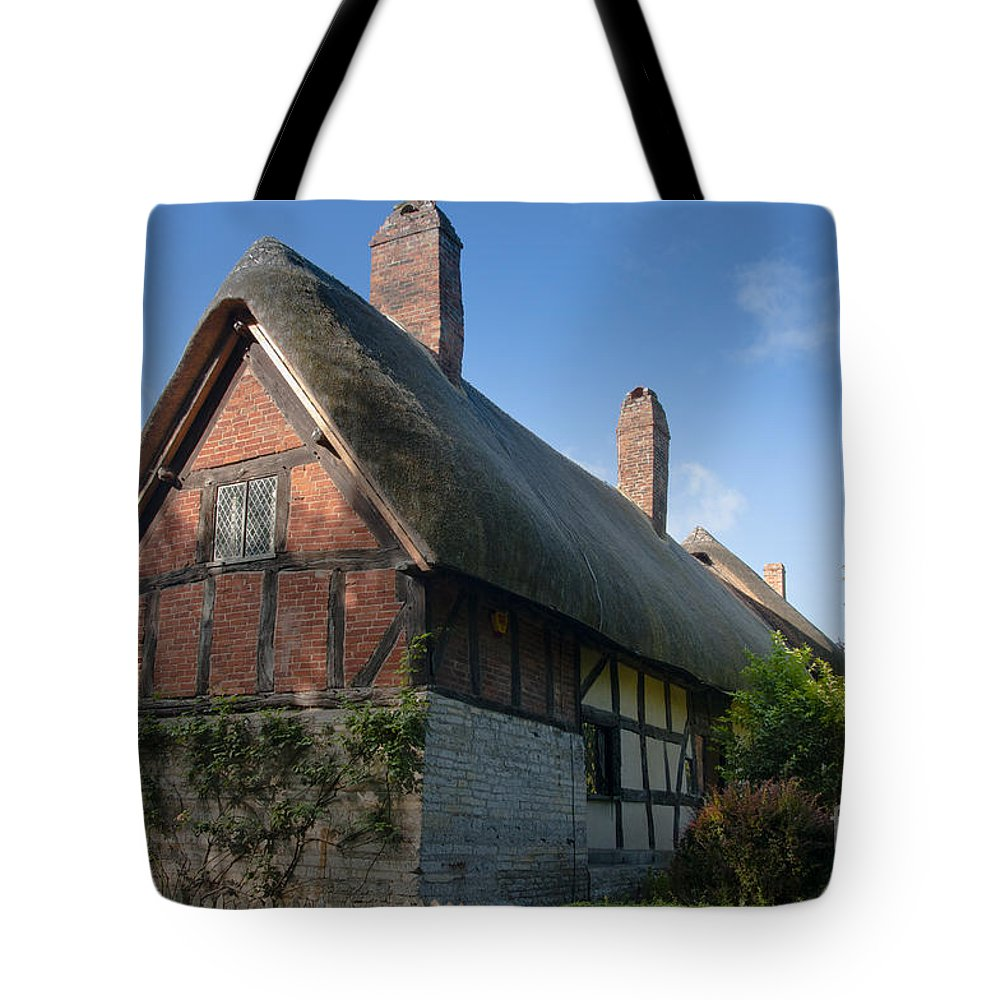 Anne Tote Bag featuring the photograph Anne Hathaway's Cottage by Andrew Michael