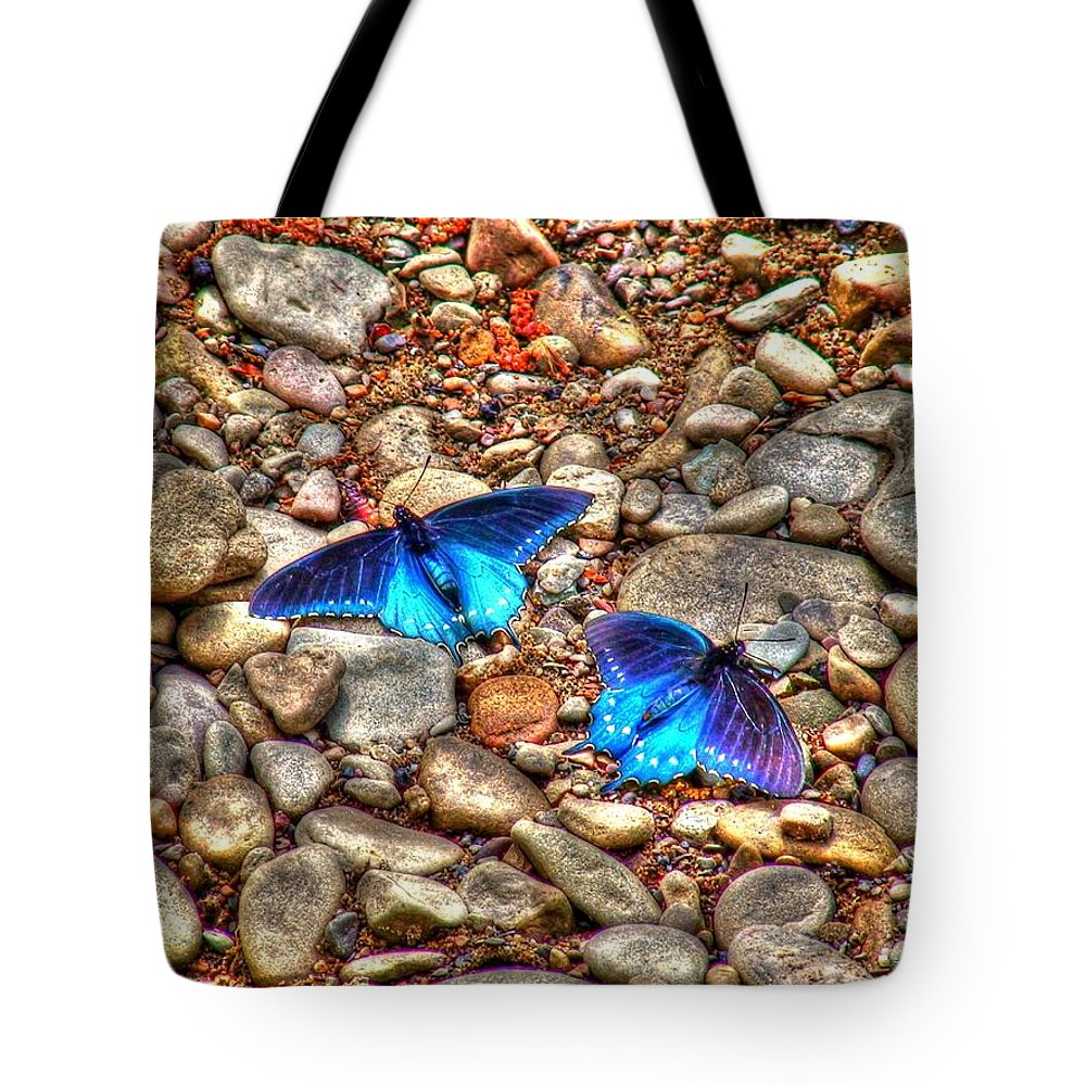 Butterflies Tote Bag featuring the photograph Azul by Andrew Webb
