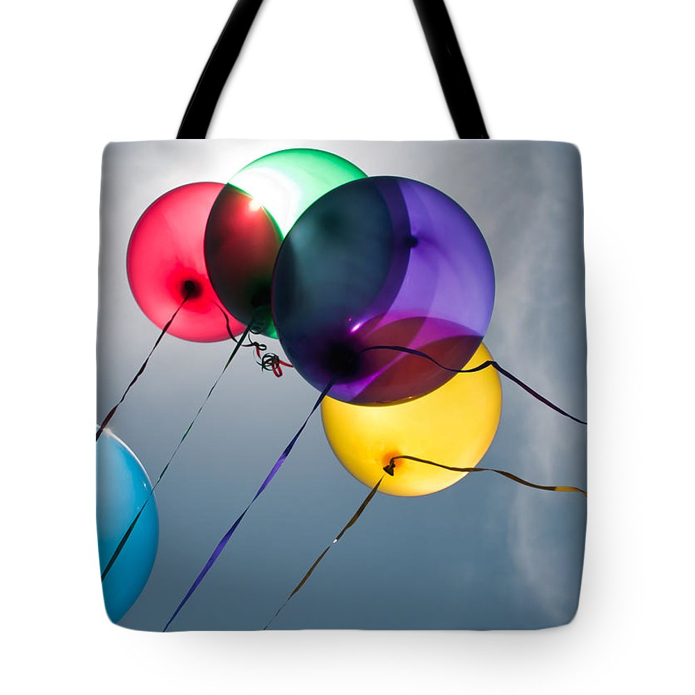 Balloons Tote Bag featuring the photograph Balloons by Tammy Lee Bradley