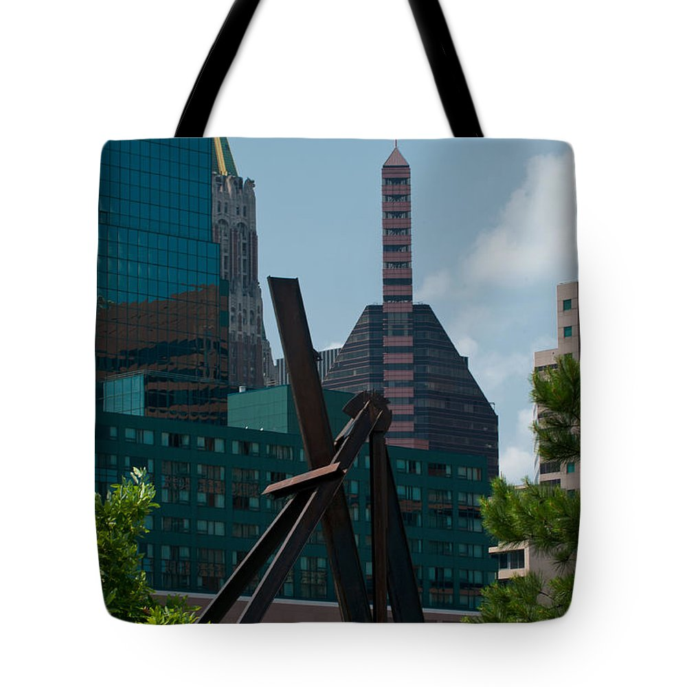 baltimore Skyline Tote Bag featuring the photograph Baltimore Skyline by Paul Mangold