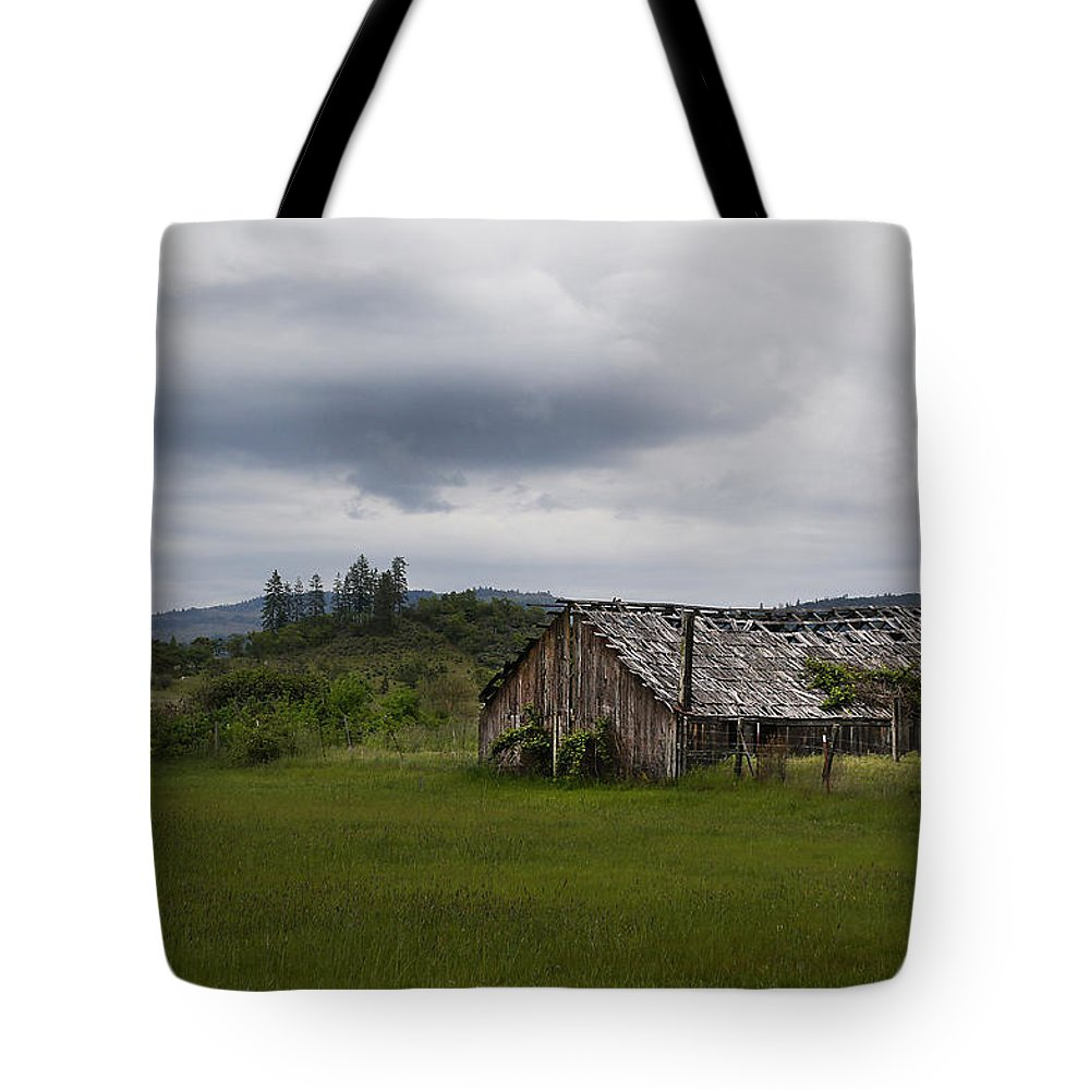 Barn Tote Bag featuring the photograph Barn Near Shady Cove by Mick Anderson