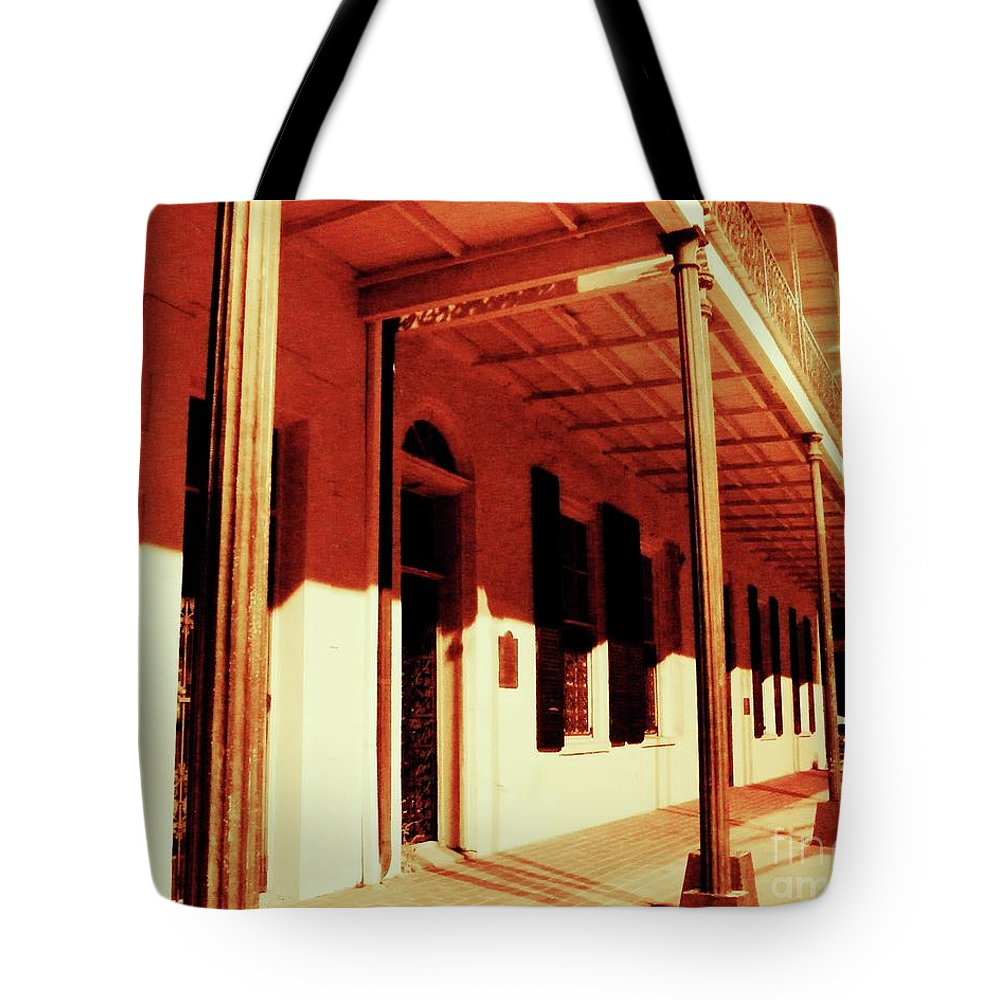 Baton Rouge Tote Bag featuring the photograph Baton Rouge Downtown by Lizi Beard-Ward