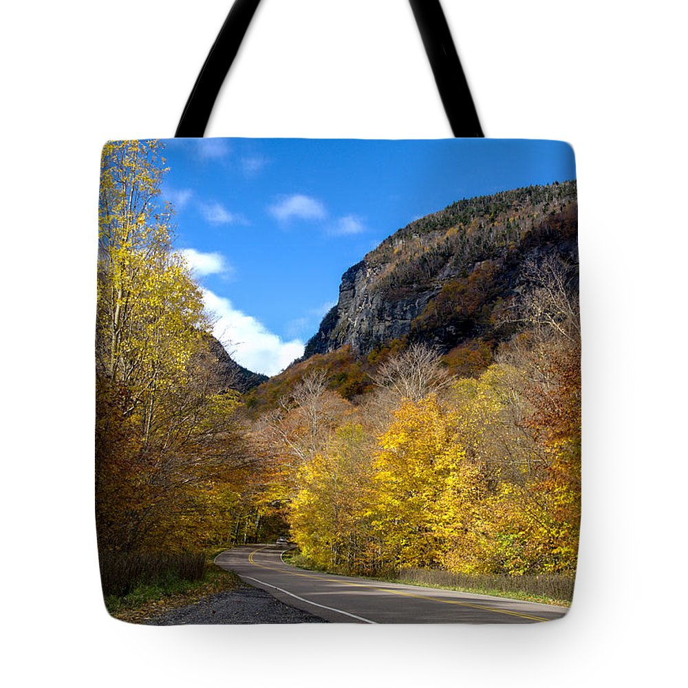 Vermont Tote Bag featuring the photograph Beautiful Vermont Scenery 26 by Paul Cannon