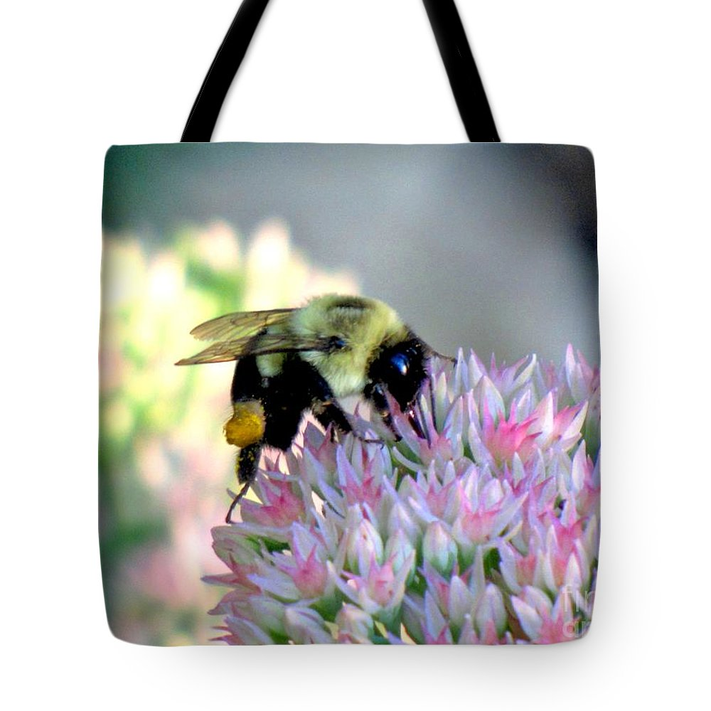 Bumble Bee Tote Bag featuring the photograph Bees Knees by Marilyn Smith