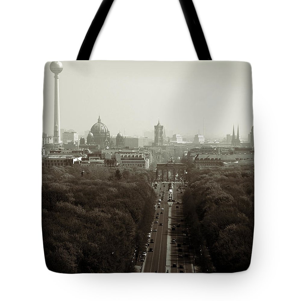 Gro�er Tiergarten Tote Bag featuring the photograph Berlin From The Victory Column by RicardMN Photography