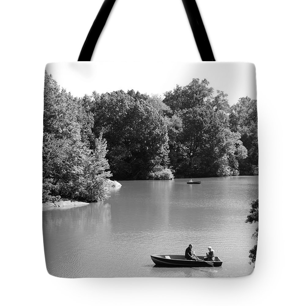 Central Park Tote Bag featuring the photograph Boats On The Water by Rob Hans