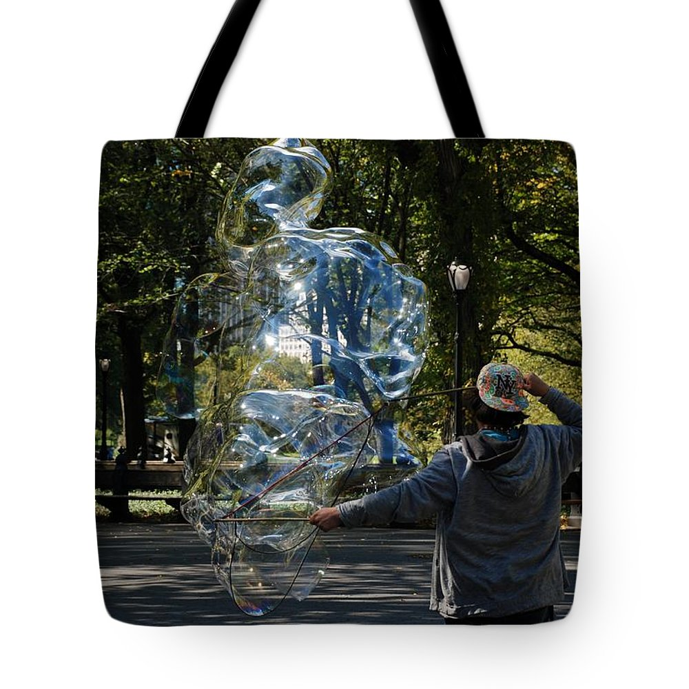 Black And White Tote Bag featuring the photograph Bubble Boy Of Central Park by Rob Hans