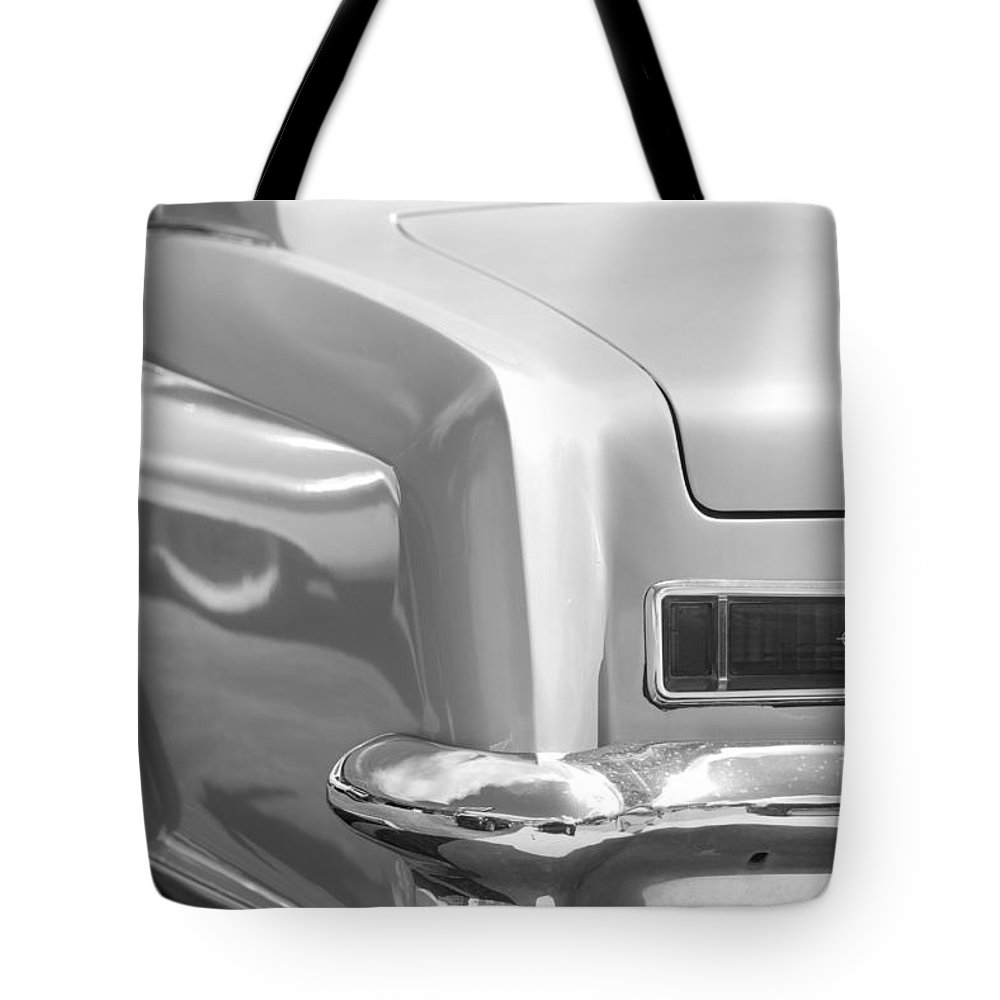 1950 Tote Bag featuring the photograph Buick Riviera by Rob Hans