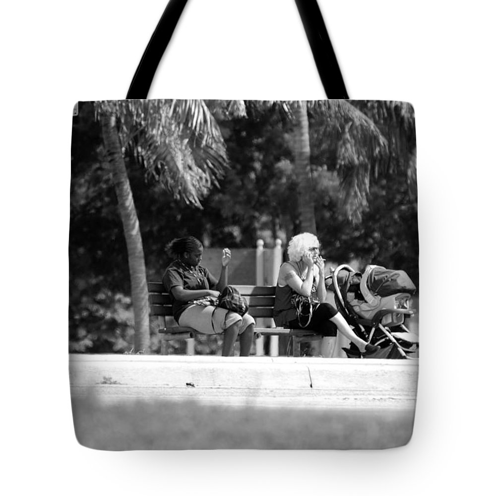 Black And White Tote Bag featuring the photograph Bus Stop by Rob Hans