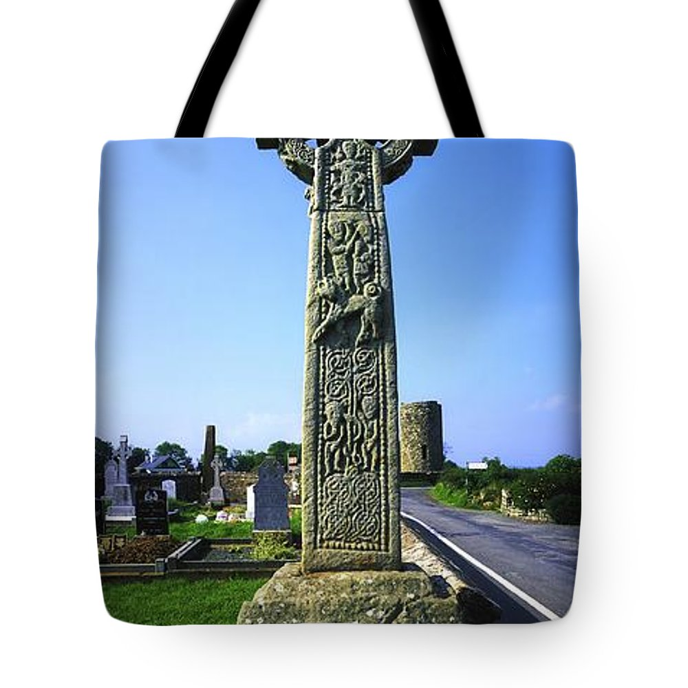 Artwork And Paintings Tote Bag featuring the photograph Celtic High Cross At Drumcliff by The Irish Image Collection