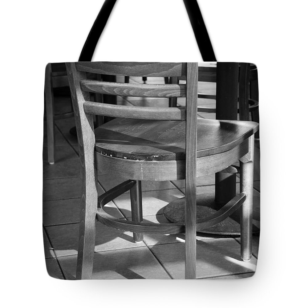 Black And White Tote Bag featuring the photograph Chair by Rob Hans