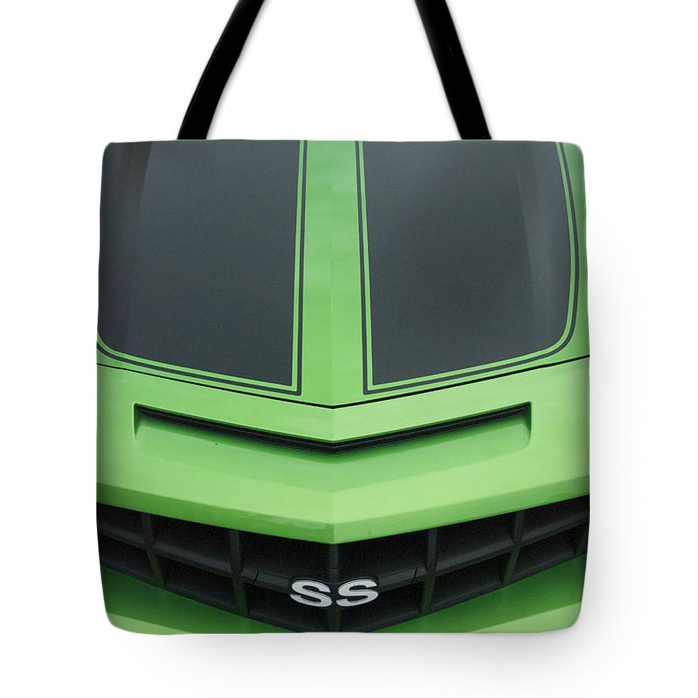 Transportation Tote Bag featuring the photograph Chevy Ss Emblem by Thomas Woolworth