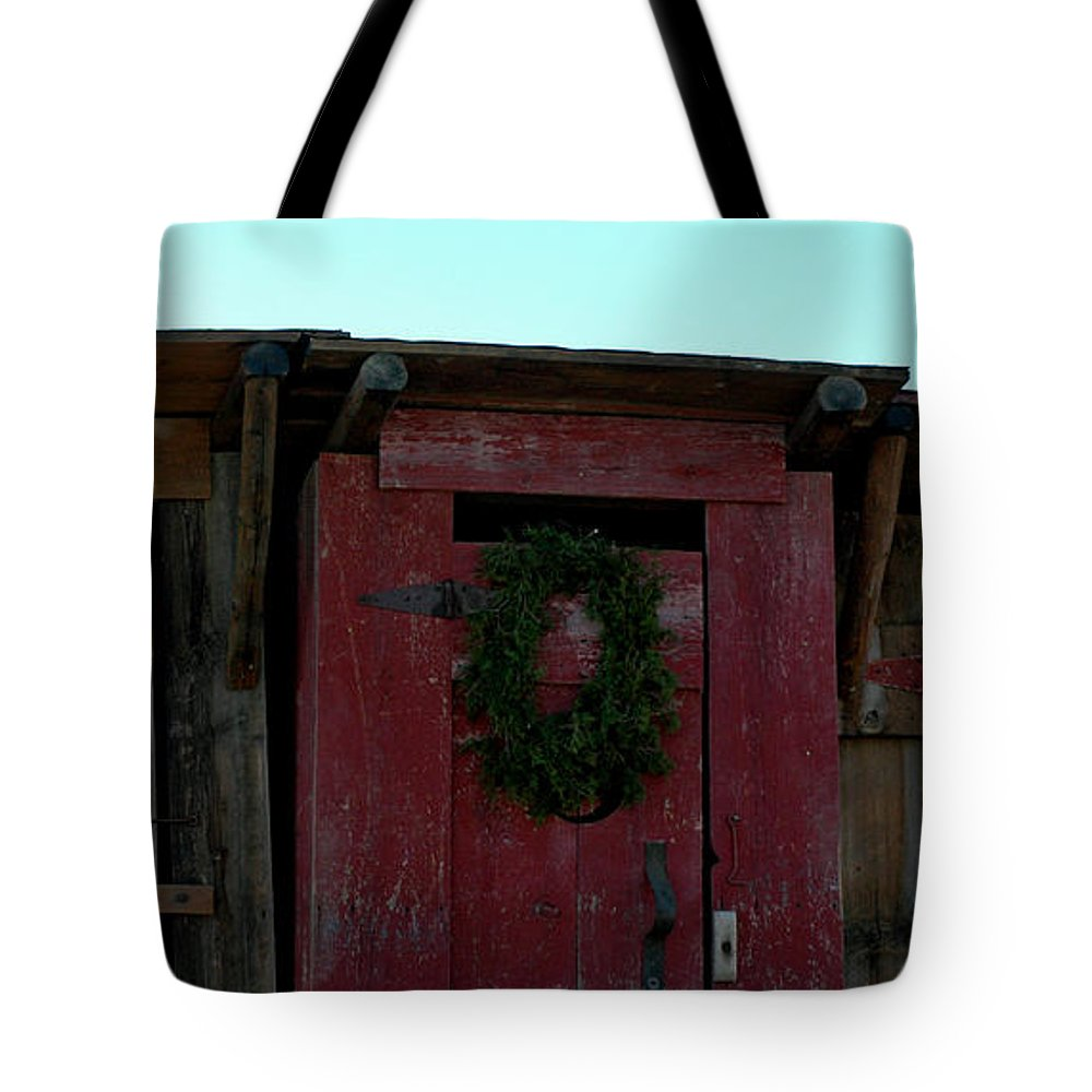 Usa Tote Bag featuring the photograph Christmas Out House The Perfect Gift For Those On The Go by LeeAnn McLaneGoetz McLaneGoetzStudioLLCcom