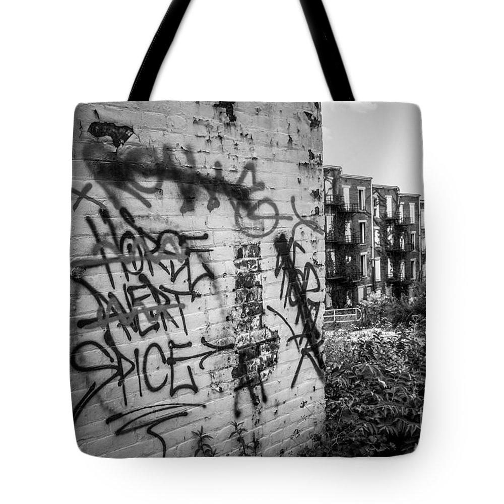America Tote Bag featuring the photograph Cincinnati Abandoned Buildings Graffiti by Paul Velgos