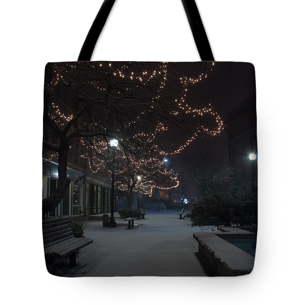 Snow Tote Bag featuring the photograph City Tranquility by Glenn Gordon