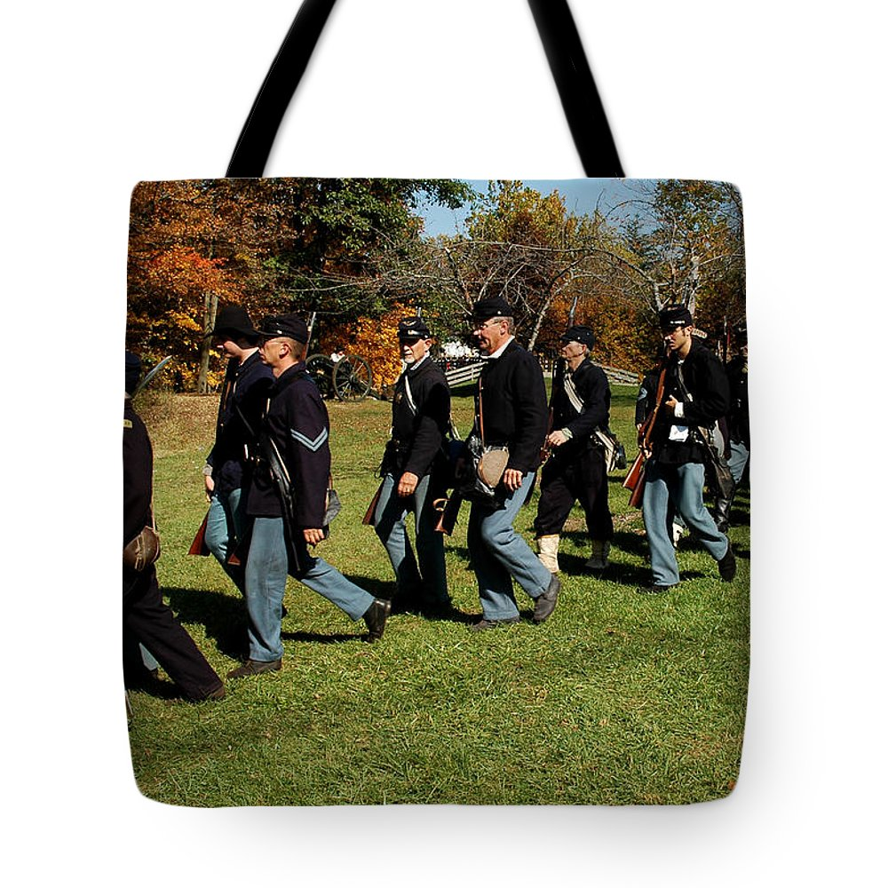 Usa Tote Bag featuring the photograph Civil Soldiers March by LeeAnn McLaneGoetz McLaneGoetzStudioLLCcom