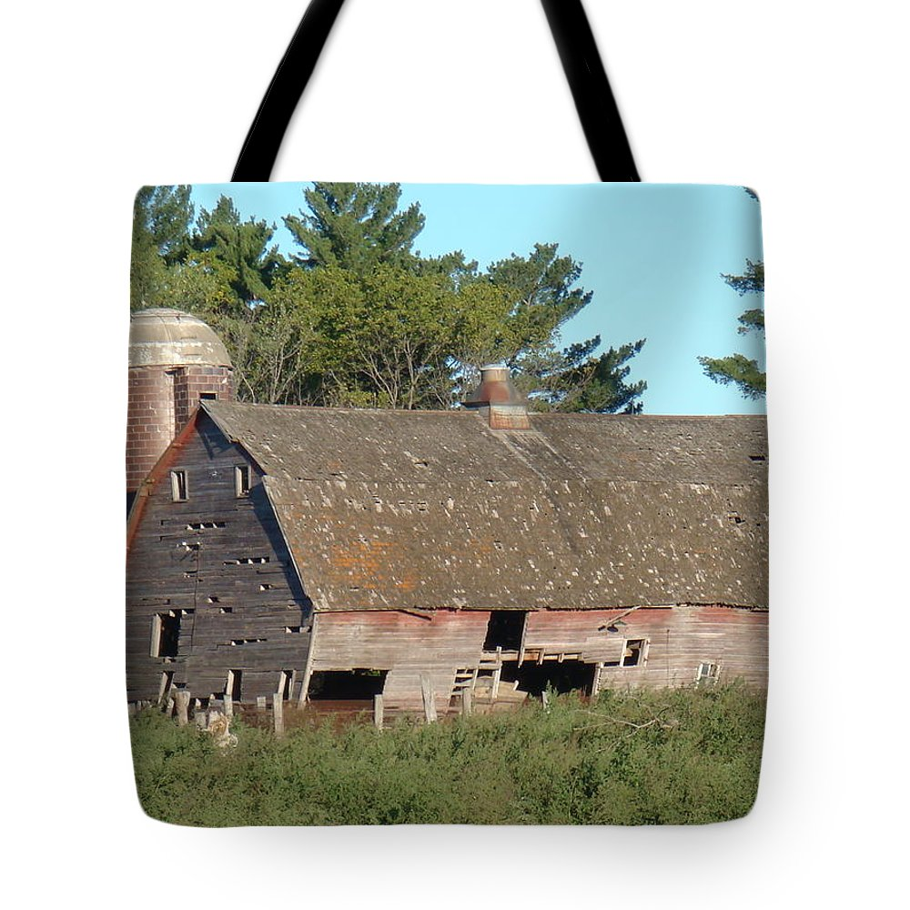 Barn Tote Bag featuring the photograph Classic by Bonfire Photography