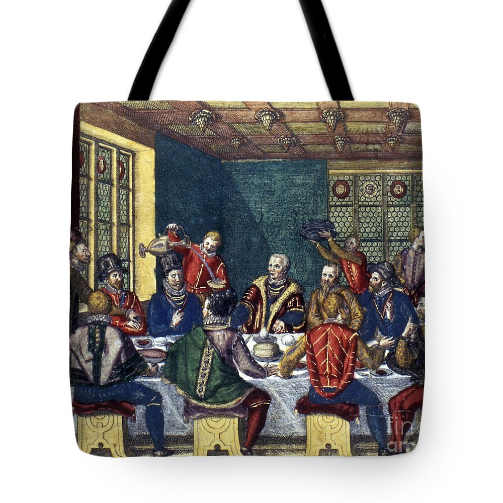 1590 Tote Bag featuring the photograph Columbus And The Egg by Granger