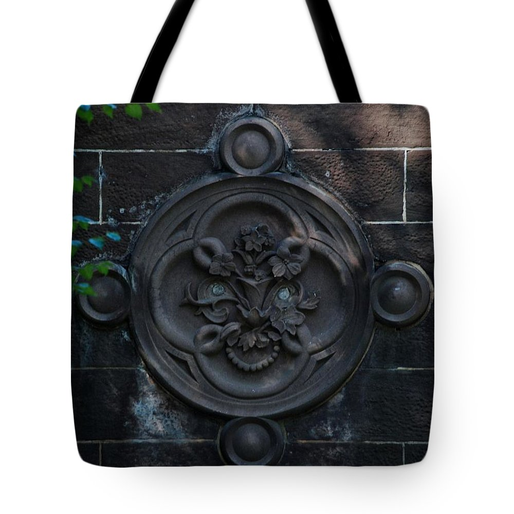Central Park Tote Bag featuring the photograph Compass Wall by Rob Hans