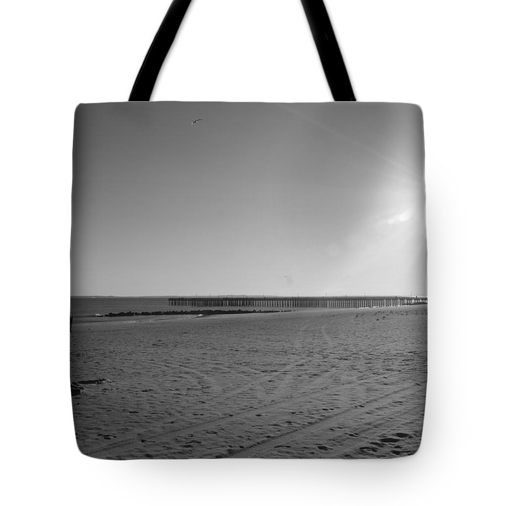 Brooklyn Tote Bag featuring the photograph Coney Island Beach In Black And White by Rob Hans