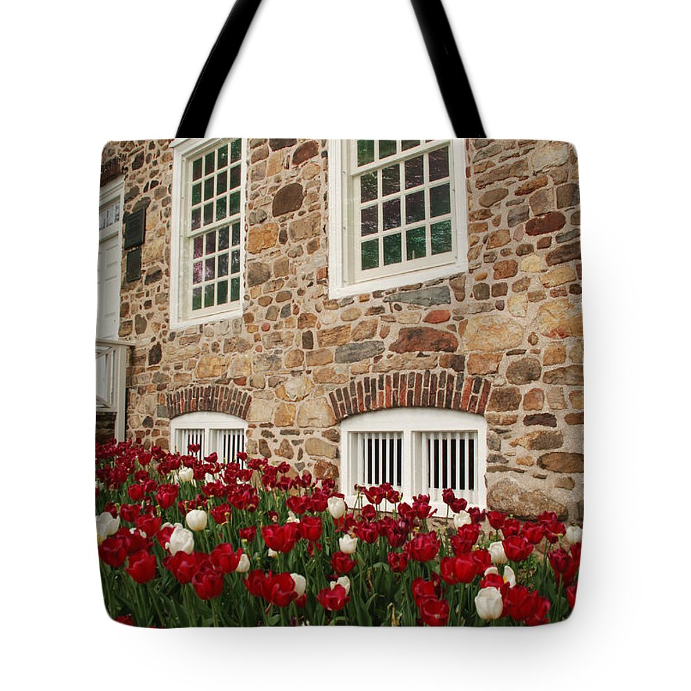 Staten Island Tote Bag featuring the photograph Conference House In Tottenville by Nancy De Flon