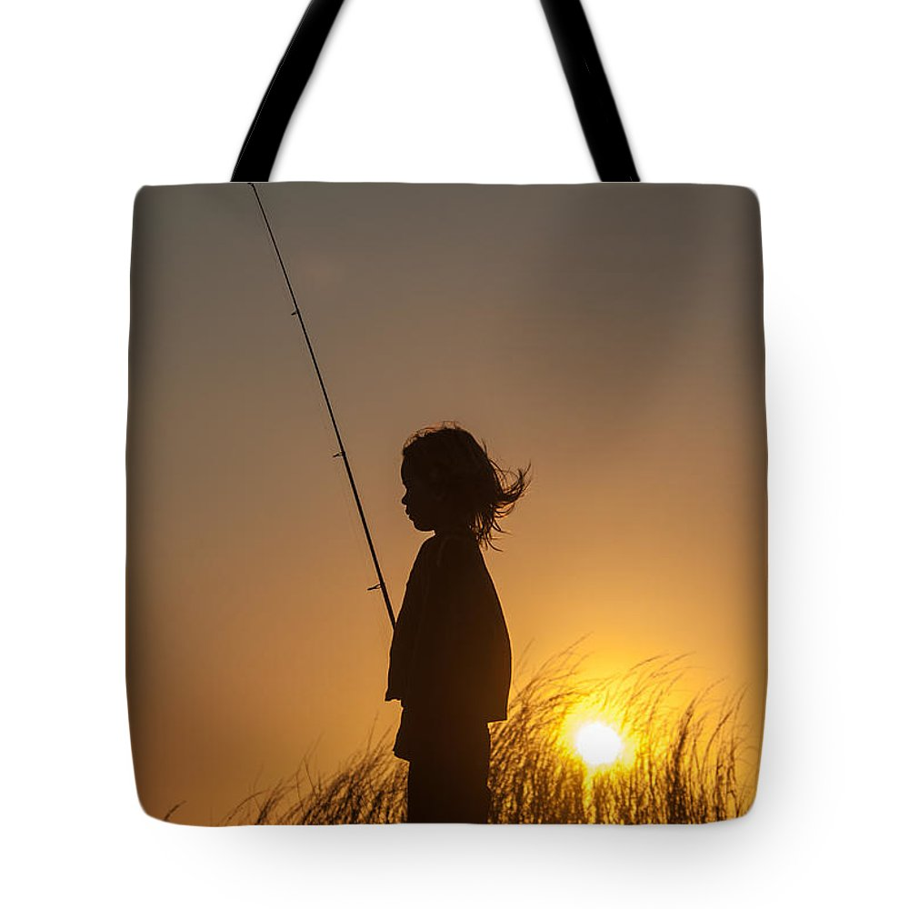 Sun Tote Bag featuring the photograph Contemplation by Alistair Lyne